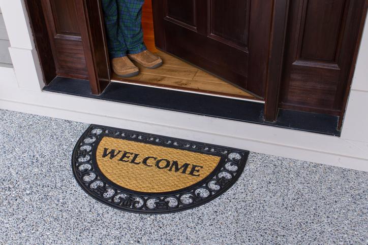 Design custom entryway mudroom