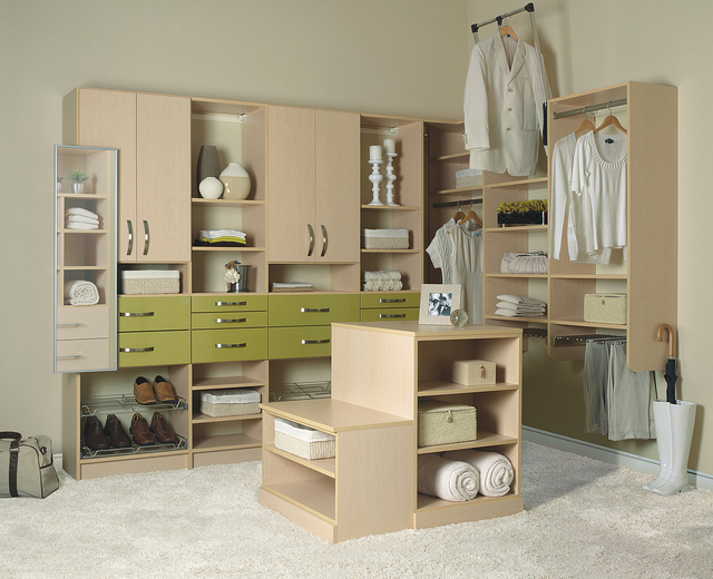 Custom closet in maple hi-gloss finish.