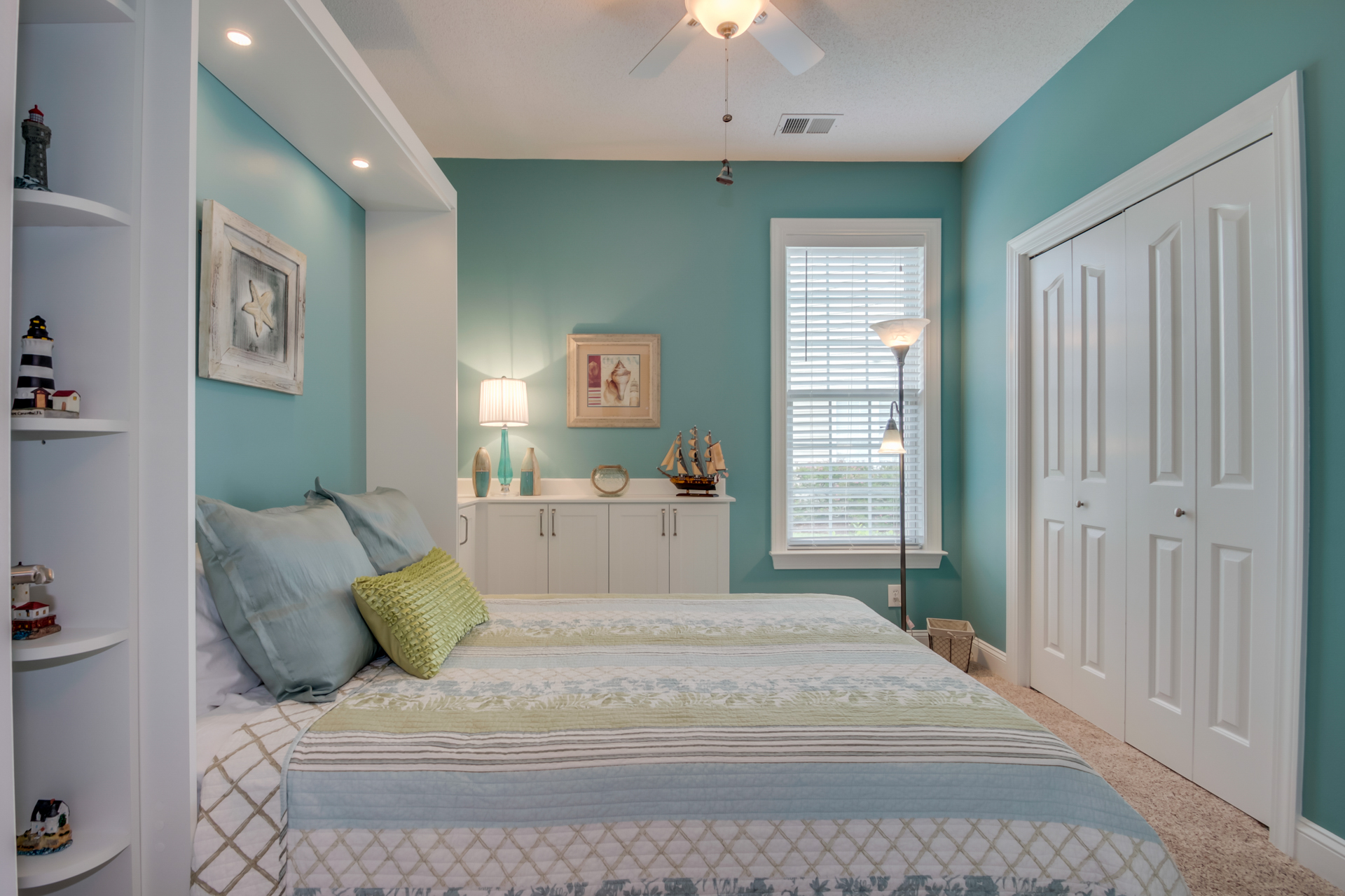 White wall bed in Myrtle Beach