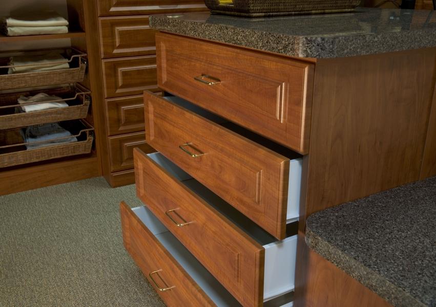 cl093-closet-drawers-open-300dpi